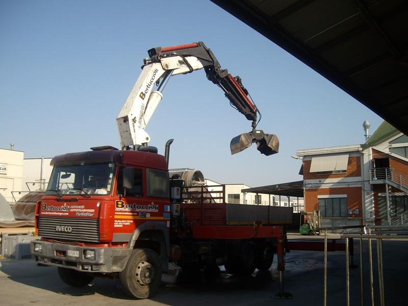 Le attrezzature speciali di bertuccioli noleggio autogru e - Caf porta rimini pesaro ...